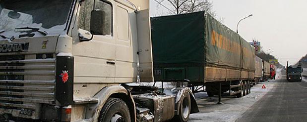 На трассах Татарстана ограничили движение большегрузов и пассажирского транспорта