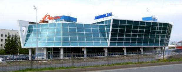 Судебные приставы опечатали здание автовокзала «Южный» в Казани