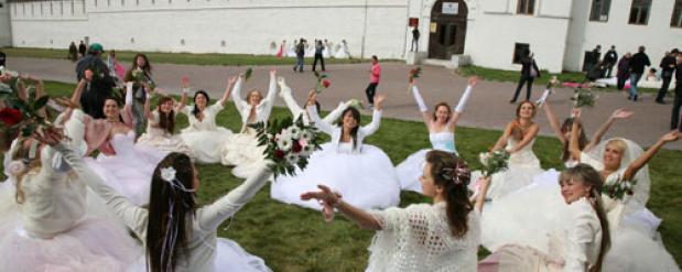 Жительниц Казани приглашают принять участие в «Вальсе невест»