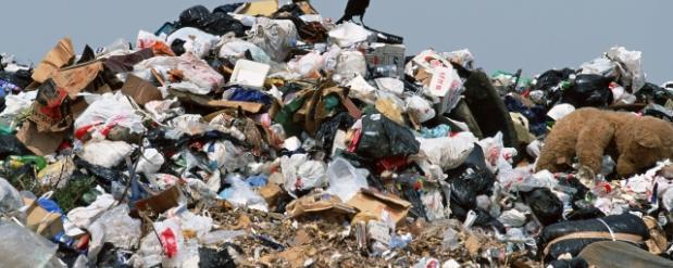 Метшин поручил разрешить ситуацию с незаконным полигоном отходов на Самосыровской свалке