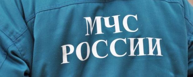 В Казани сотрудники МЧС спасли мужчину, который потерял сознание, сбрасывая снег с крыши